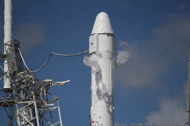 2393-spacex_falcon_9_crs7-michael_deep