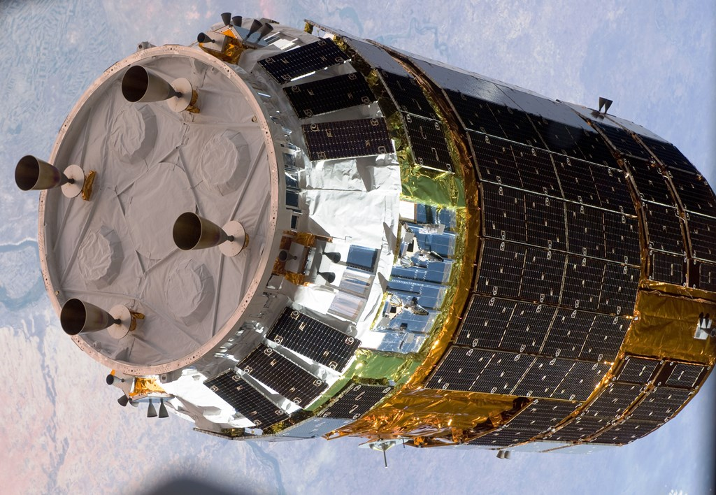 HTV-2_Kounotori_2_approaches_the_ISS_5 NASA photo posted on SpaceFlight Insider