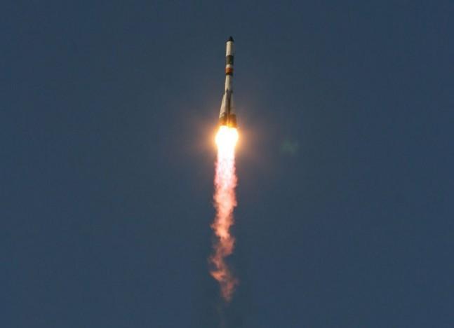 Roscosmos Progress cargo spacecraft launch NASA photo posted on SpaceFlight Insider