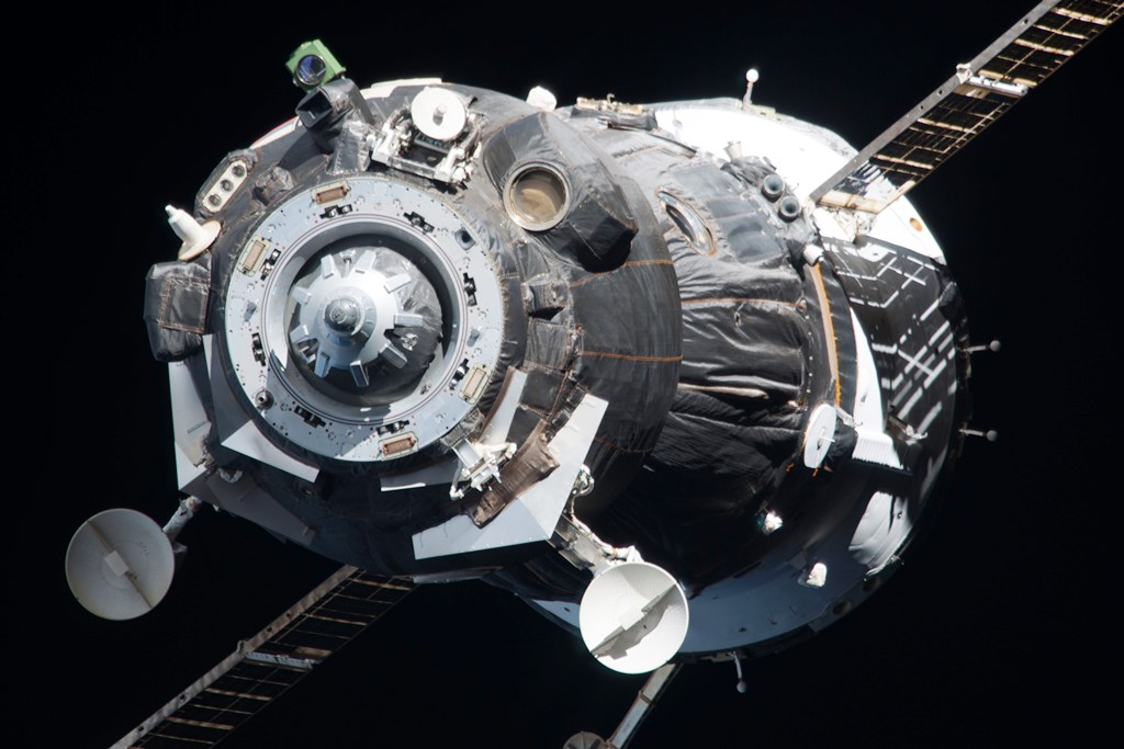 Roscosmos Progress spacecraft arriving at the International Space Station ISS NASA photo posted on SpaceFlight Insider