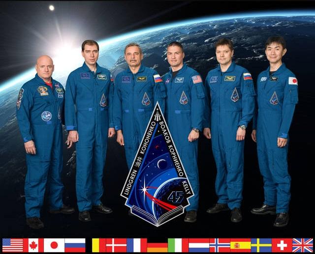 The Expedition 45 crew. Scott Kelly, Kjell Lindgren, Kimiya Yui, Sergey Volkov, Oleg Kononenko, Mikhail Kornienko. Photo Credit: NASA