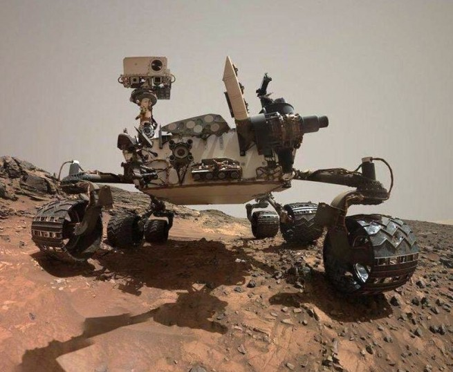 Mars Science Laboratory rover Curiosity at Buckskin Rock NASA photo posted on SpaceFlight Insider