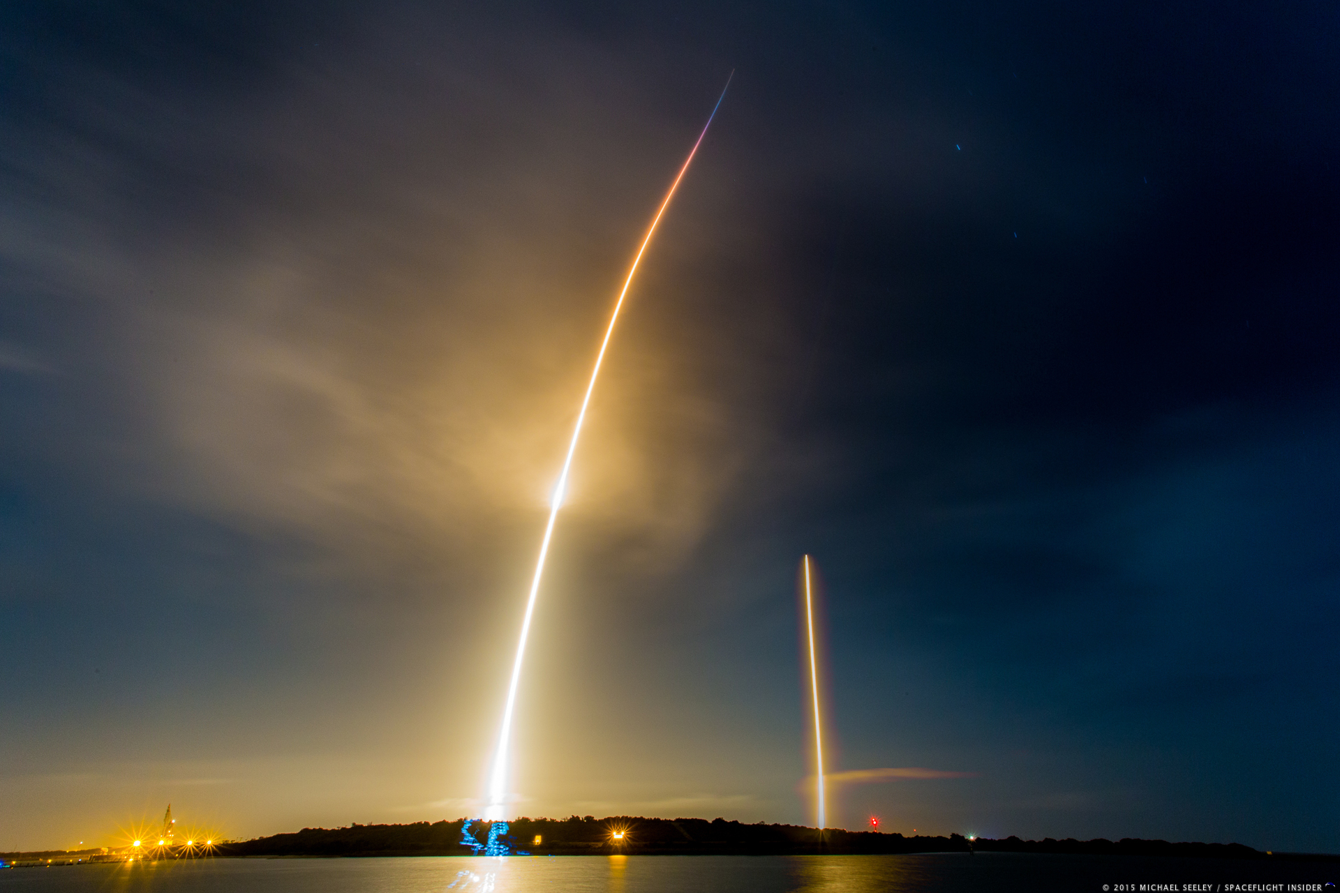 Launch and landing shot in one frame SpaceX Falcon 9 v1.2 with Orbcomm OG2 mission photo credit Michael Seeley / SpaceFlight Insider