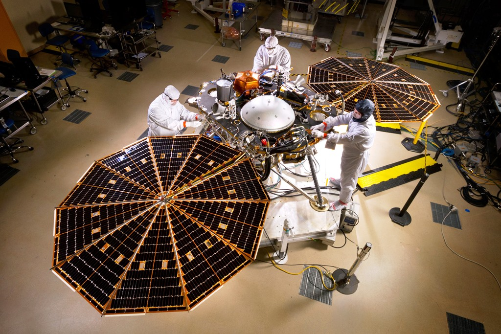 NASA's Mars InSight spacecraft delivered in preparation ...