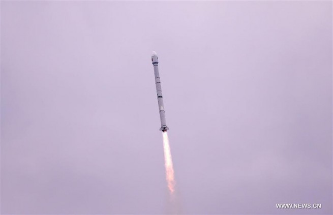 A Long March 3C carrier rocket carrying the 21st satellite for the BeiDou Navigation Satellite System lifts off from Xichang Satellite Launch Center, southwest China's Sichuan Province, Feb. 1, 2016.