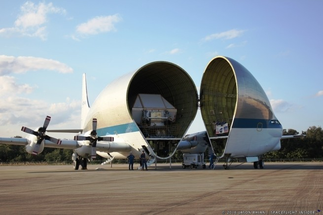 NASA Super Guppy opens to reveal its payload - the EM-1 Orion pressure vessel.