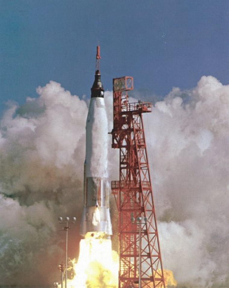 nasa first manned flight - photo #16