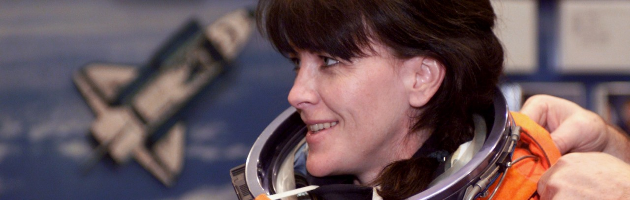 Astronaut Janet Kavandi at Johnson Space Center NASA photo posted on SpaceFlight Insider - Copy