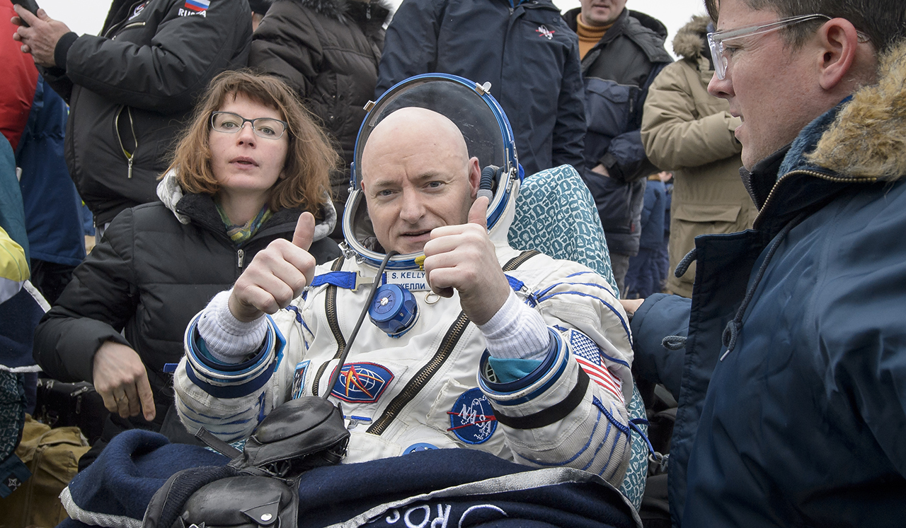 Expedition 46 Landing