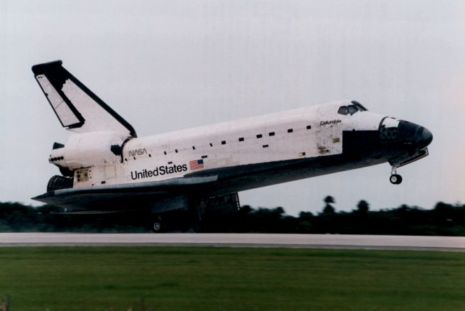 Columbia touching down on July 7, 1996. Photo Credit: NASA