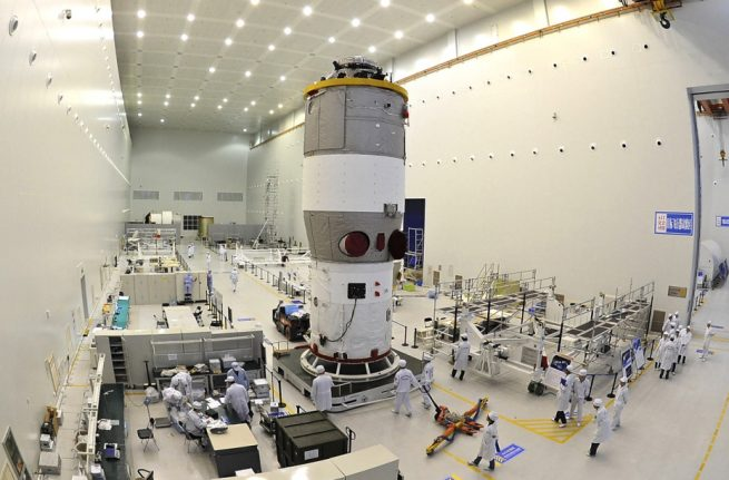 tiangong 2 being assembled