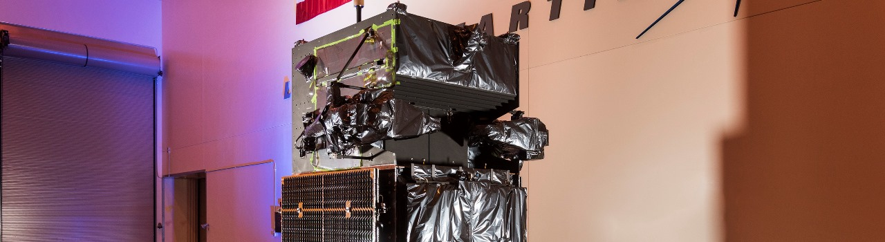 SBIRS GEO 4 (SBIRS 3) on Mass CG stand. Lockheed Martin photo posted on SpaceFlight Insider