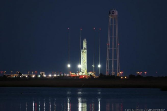 Antares 230 with Cygnus OA-5 on top