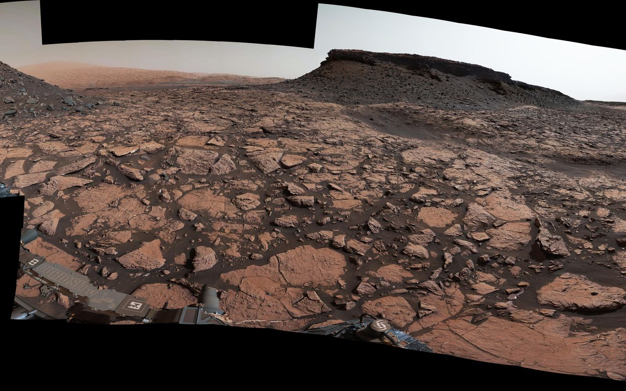 This 360-degree panorama was acquired on Sept. 4, 2016, by the Mast Camera on NASA's Curiosity Mars rover while the rover was in a scenic area called 'Murray Buttes' on lower Mount Sharp.