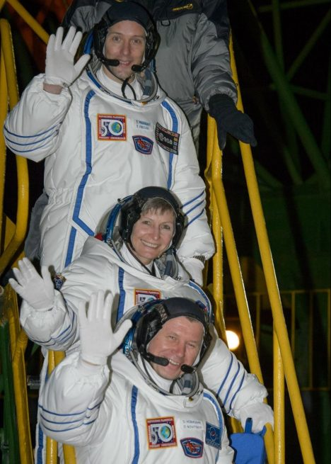 Soyuz MS-03 crew before getting into Soyuz