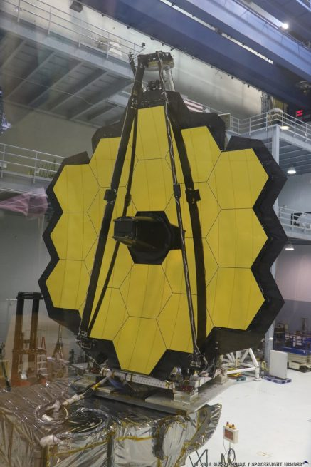 The James Webb Space Telescope's completed 18-segment mirror. Photo Credit: Mark Usciak / SpaceFlight Insider