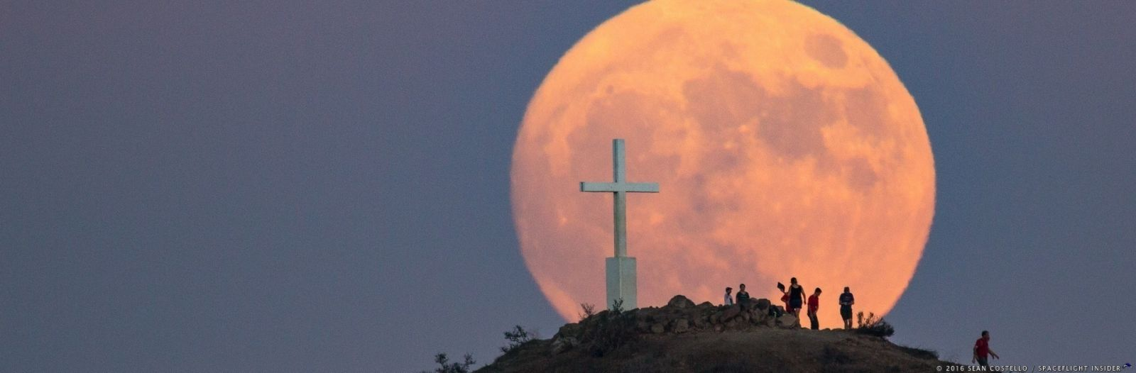 The 2016 supermoon as seen in the Santa Monica Mountains by SpaceFlight Insider's Sean Costello. Photo Credit: Sean Costello / SpaceFlight Insider