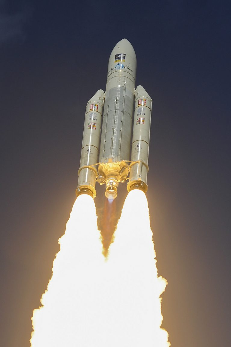 Ariane-5_VA233_2016111712_1066x1600-768x