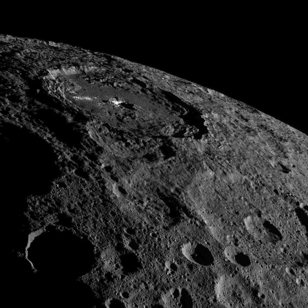http://www.spaceflightinsider.com/wp-content/uploads/2016/11/Ceres-PIA21078.jpg