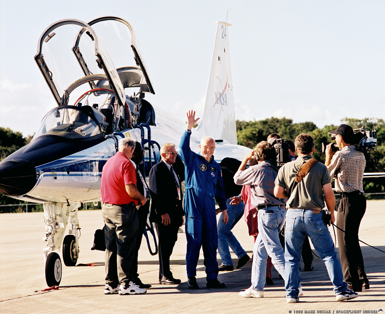 John Glenn waves after touching down at Kennedy Space Center in Florida in 1998. Photo Credit: Mark Usciak / SpaceFlight Insider