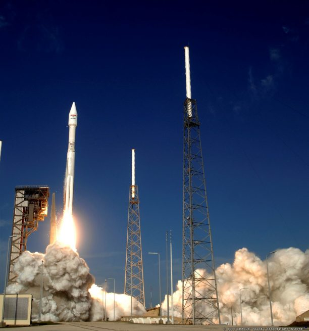 Launch of the Atlas V 431 from Cape Canaveral's SLC-41 with EchoStar XIX.