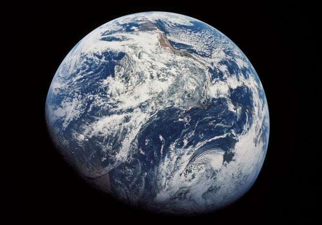 Apollo 8 photographs Earth