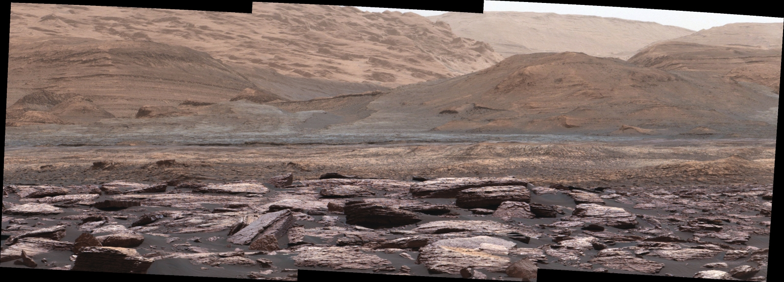Curiosity: Purple-hued rocks at lower Mount Sharp on Mars