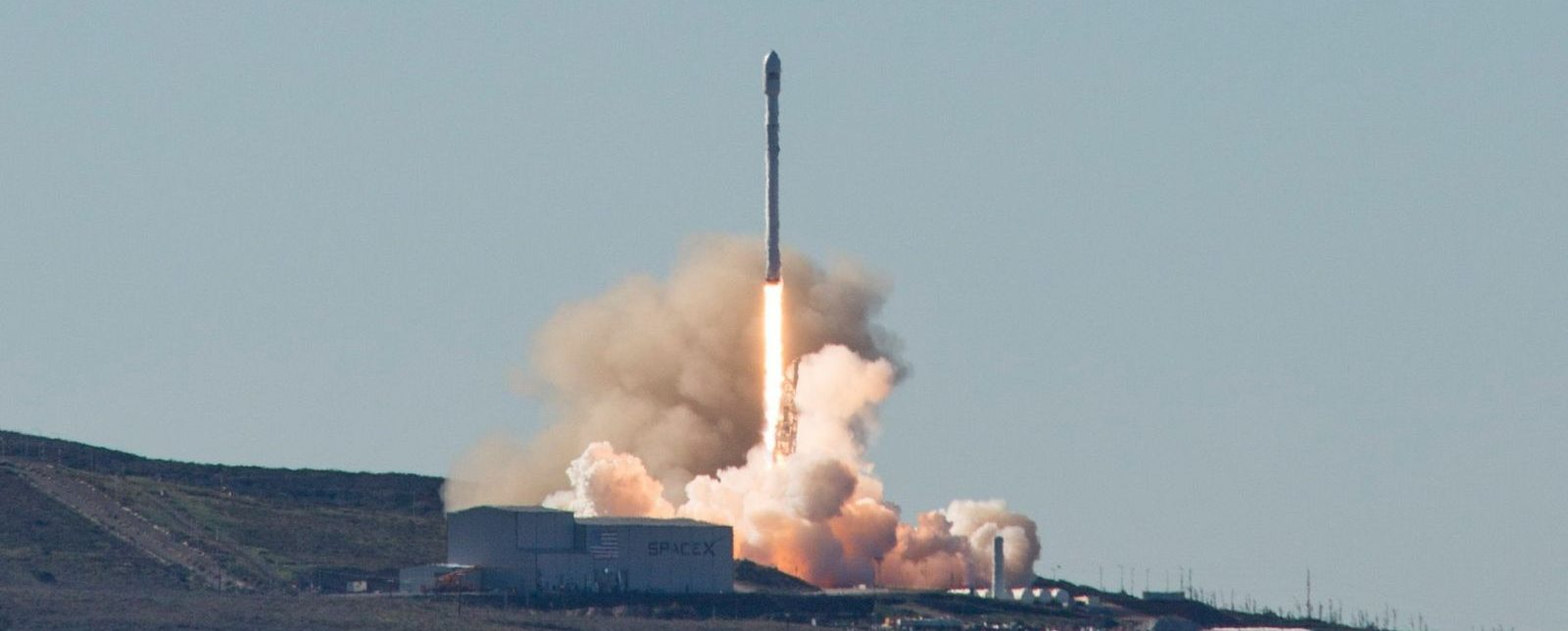 File photo of the Iridium-1 launch in January 2017. The Iridium-2 launch took place at 1:25 p.m. PDT (4:25 EDT / 20:25 GMT) June 25, 2017. Photo Credit: SpaceX