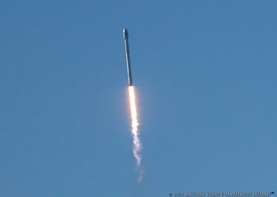 A Falcon 9 soars above Vandenberg carrying the first 10 Iridium NEXT satellites to space. The launch took place Jan. 14, 2017. Photo Credit: Matthew Kuhns / SpaceFlight Insider
