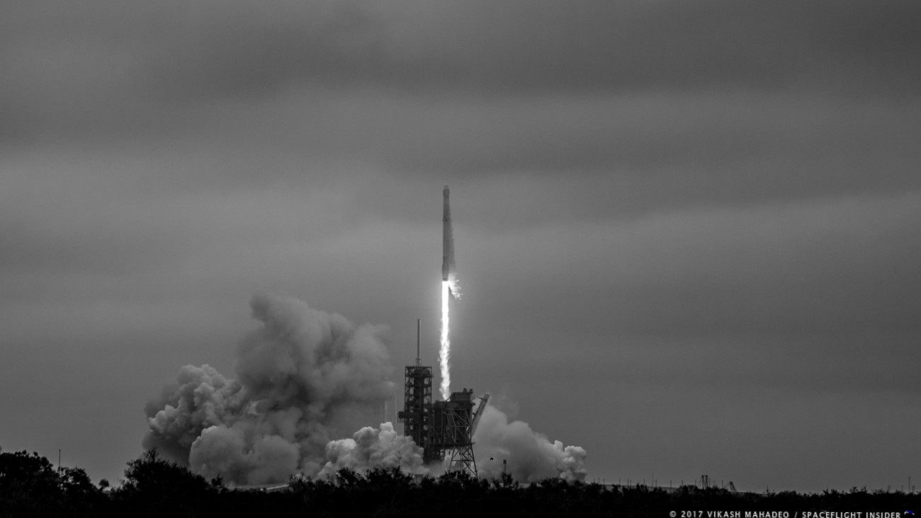LC-39A CRS-10 launch - black and white