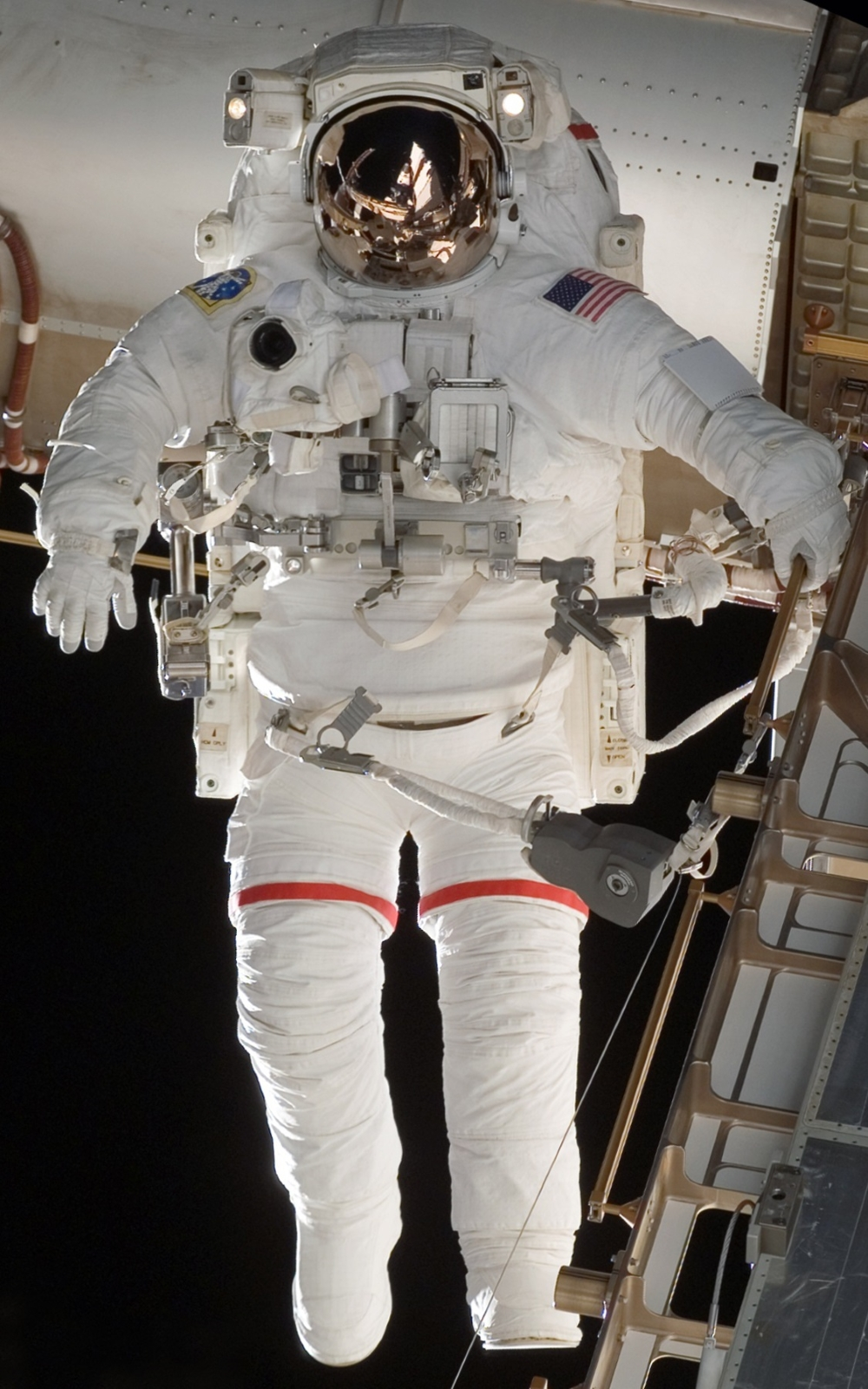 The evolution of U S  spacesuits from Mercury to today - SpaceFlight