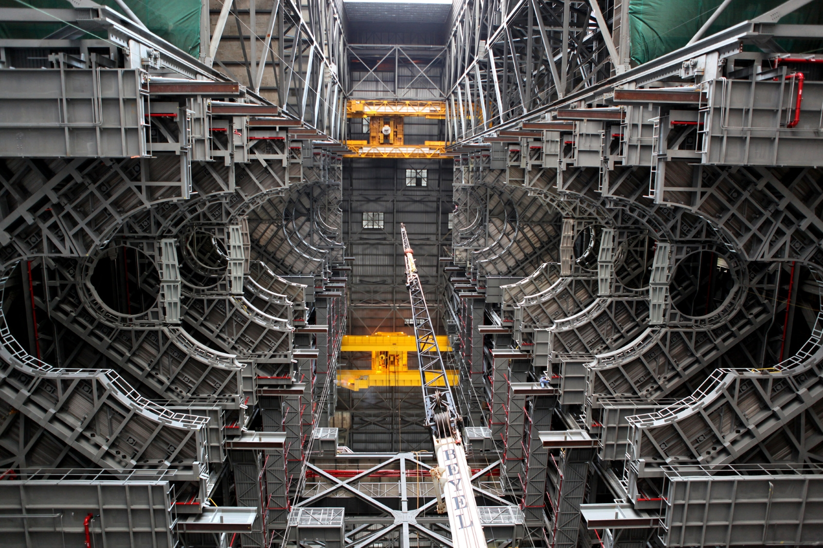 Orion update: Vehicle Assembly Building platform A-north installation