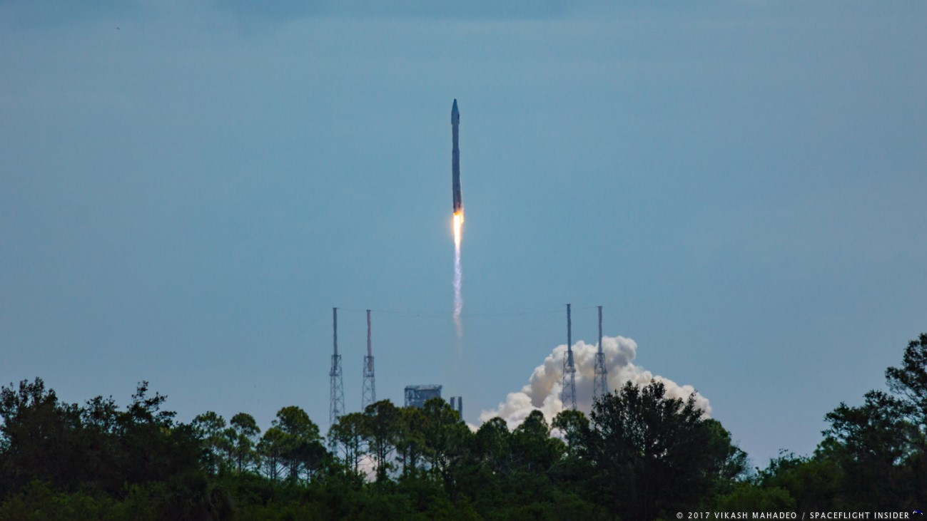The Atlas V with the OA-7 Cygnus launches out of Space Launch Complex 41