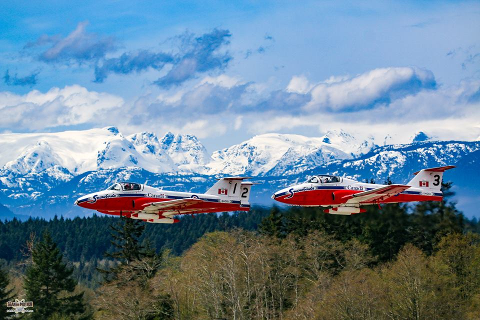 Snowbirds 2017 Takeoff in Comox, BC