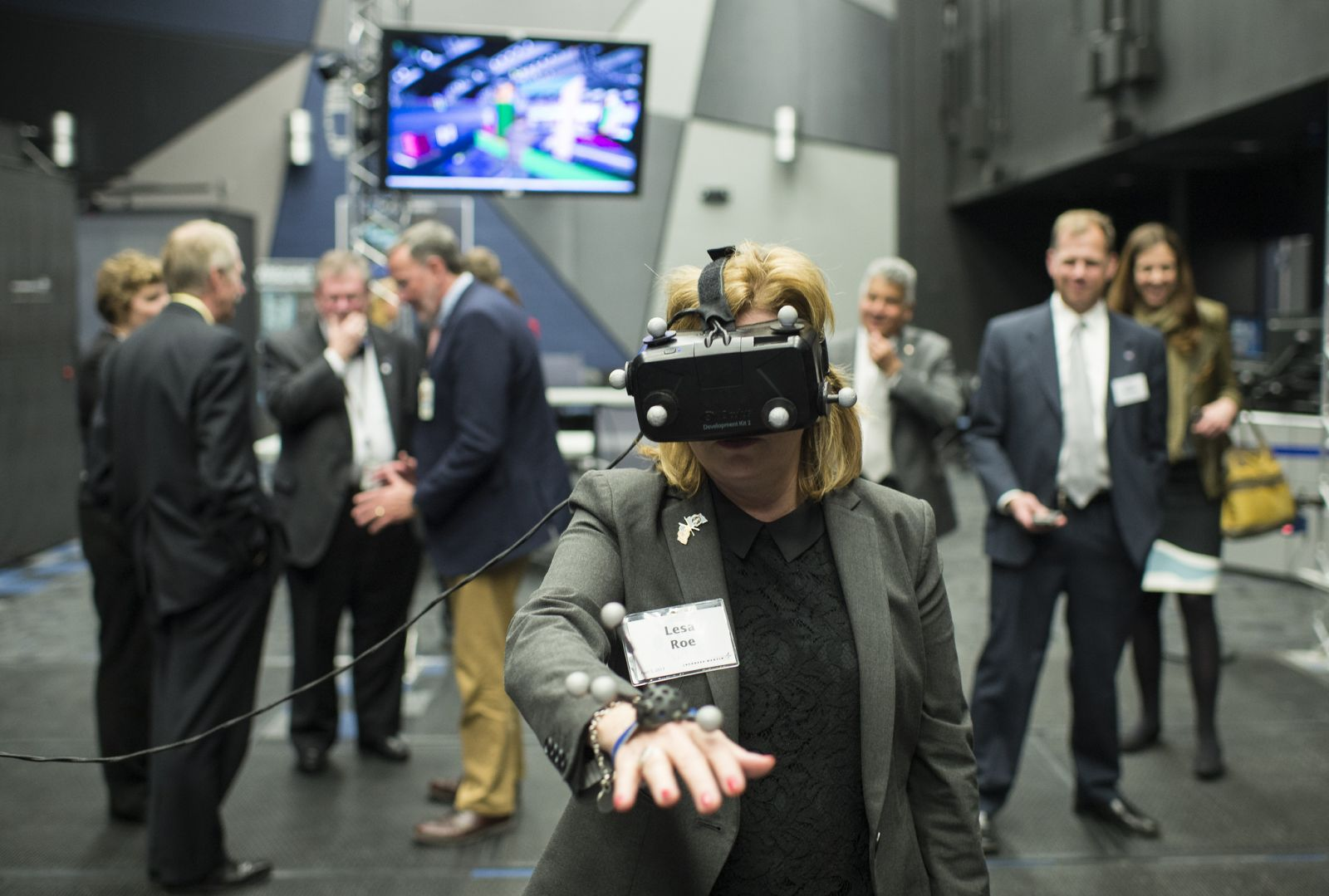 Lesa Roe using a virtual reality headset