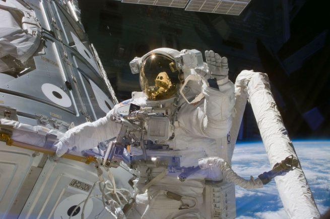 STS-88 EVA-1