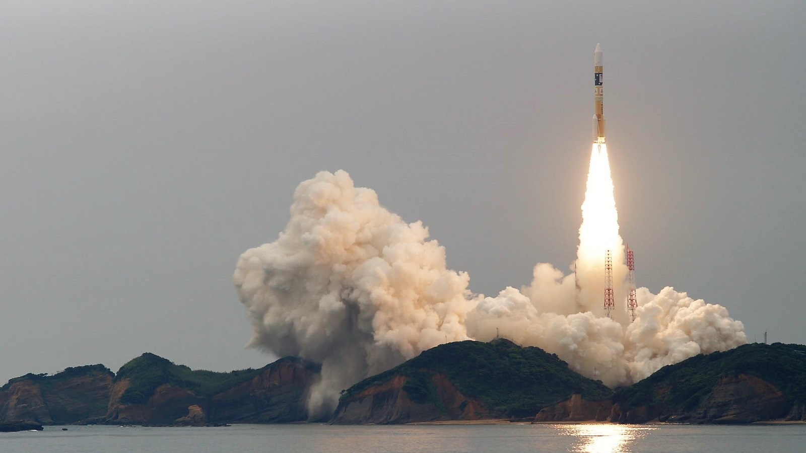 The launch of H-IIA (F34) / MICHIBIKI-2