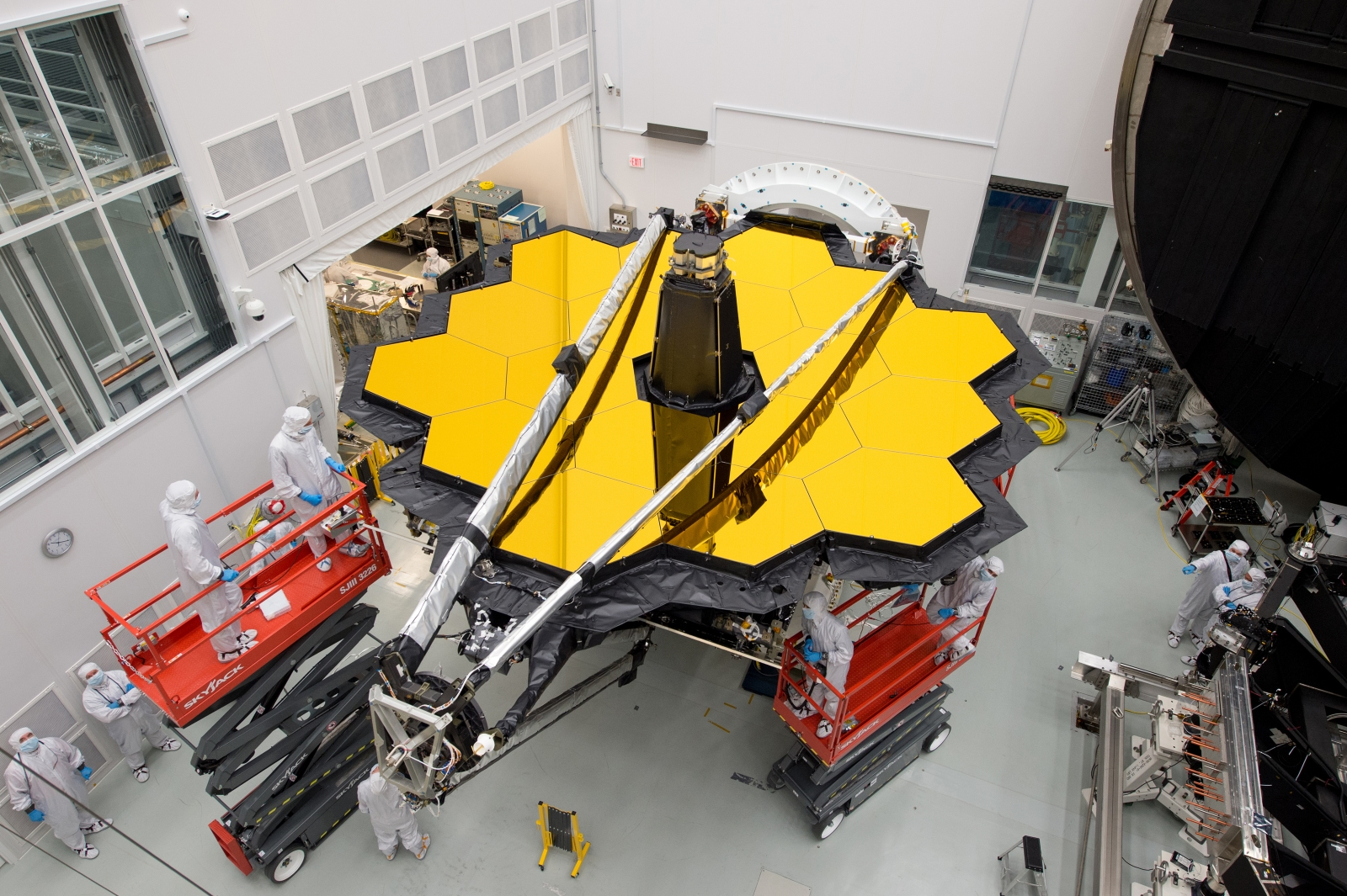 Eyes on: Watching NASA Work on the JWST with 'Webb-cam ...