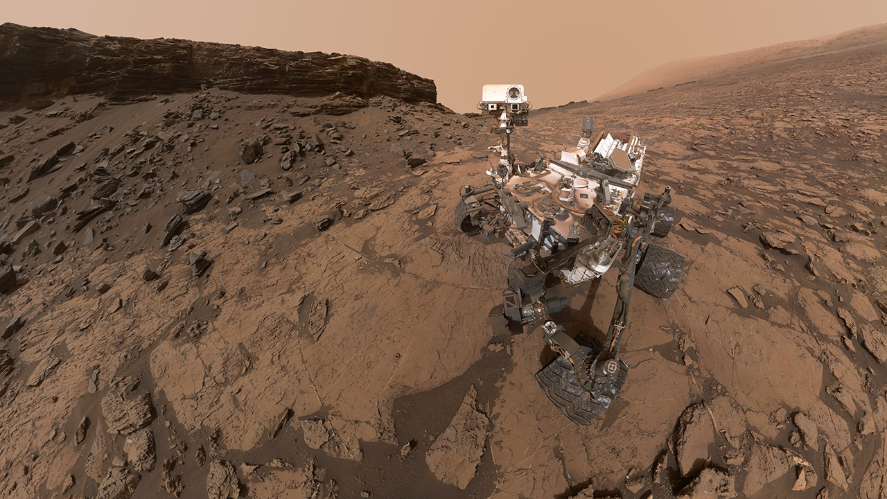 "Curiosity takes a self-portrait at ""Murray Buttes"" in September 2016. Photo Credit: NASA / JPL"