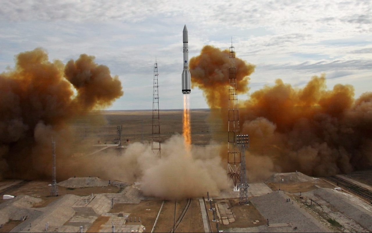 Launch of the Proton-M / EchoStar 21 mission rocket