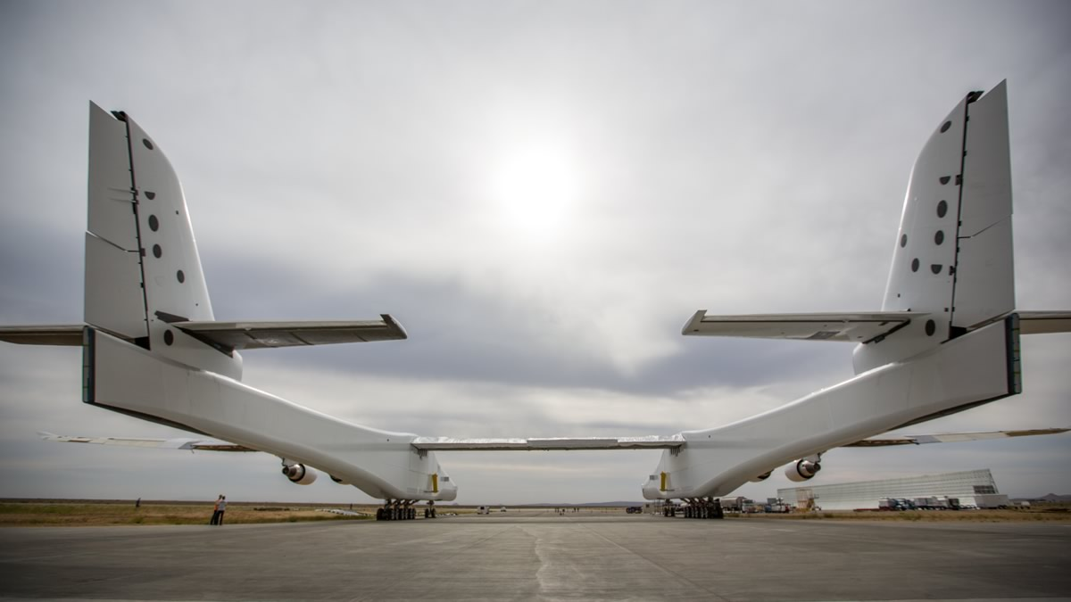 Stratolaunch aircraft emerges from Hangar in preparation for fueling tests on May 31, 2017. Photo Credit: Stratolaunch