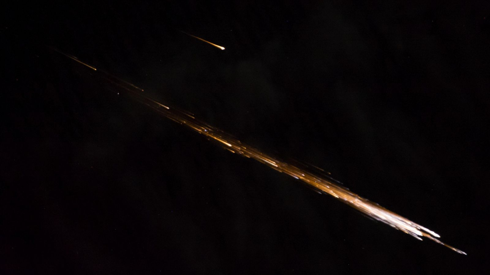 The re-entry of the second Cygnus spacecraft in 2014. Photo Credit: NASA