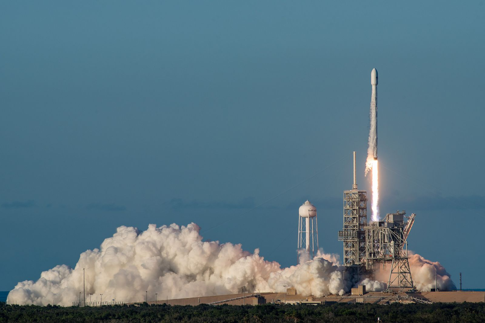 7 months, 10 launches: SpaceX racks up another win with ...
