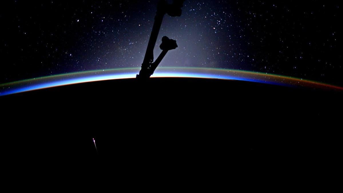 The CRS-11 Dragon capsule reenter's Earth's atmosphere. Photo Credit: Jack Fischer / NASA