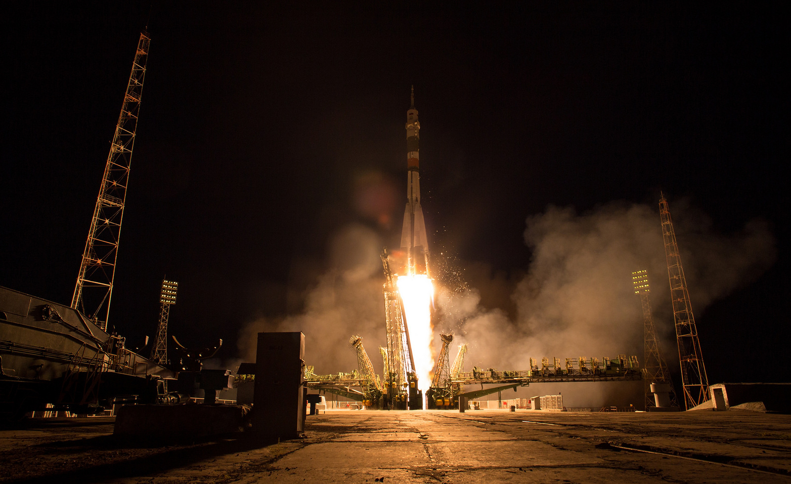 Soyuz MS-05 rocket is launched with Expedition 52