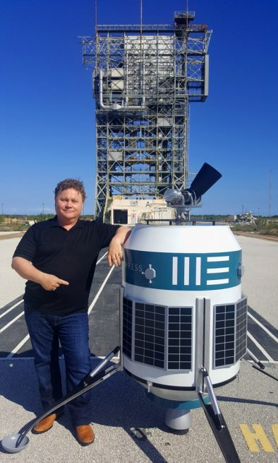 Moon Express co-founder Bob Richards poses next to the MX-1E spacecraft in this photo he shared on Twitter.