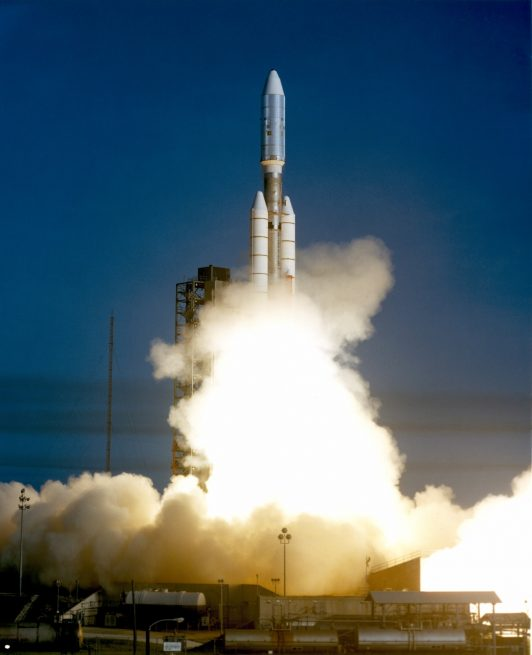Titan 3E/Centaur launches Voyager 1