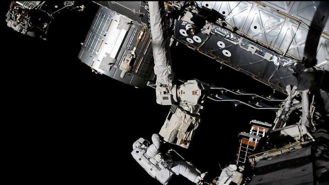 Exp.53 NASA astronaut Joe Acaba on EVA-46 (2017-10-20)