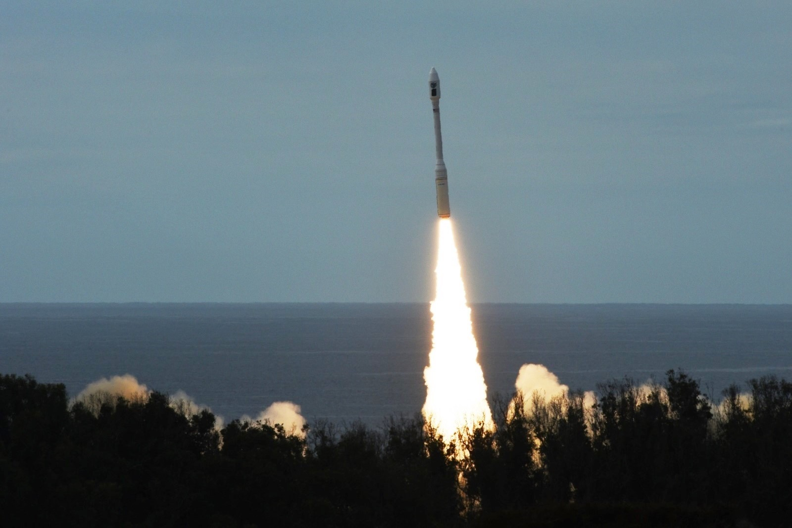 Launch of the Minotaur-C rocket with SkySat/Dove satellites
