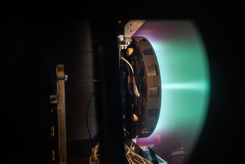 X3 Hall thruster sets records at NASA Glenn - SpaceFlight ...